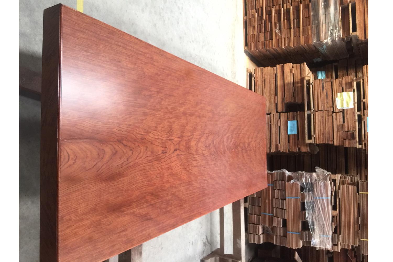 phản gỗ cẩm lai nguyên khối