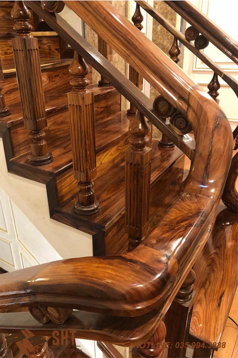 trang trí cầu thang bằng gỗ cẩm
