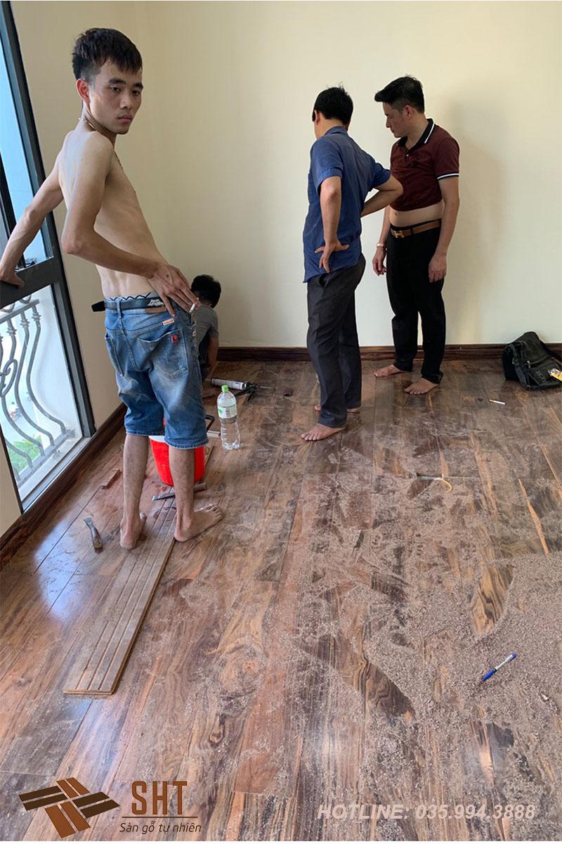 thi công sàn gỗ mun