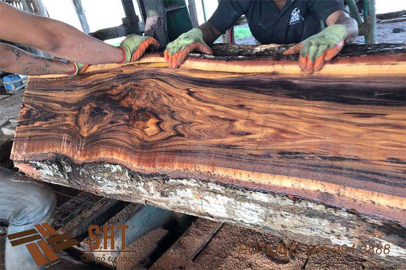 gỗ cẩm lai tự nhiên