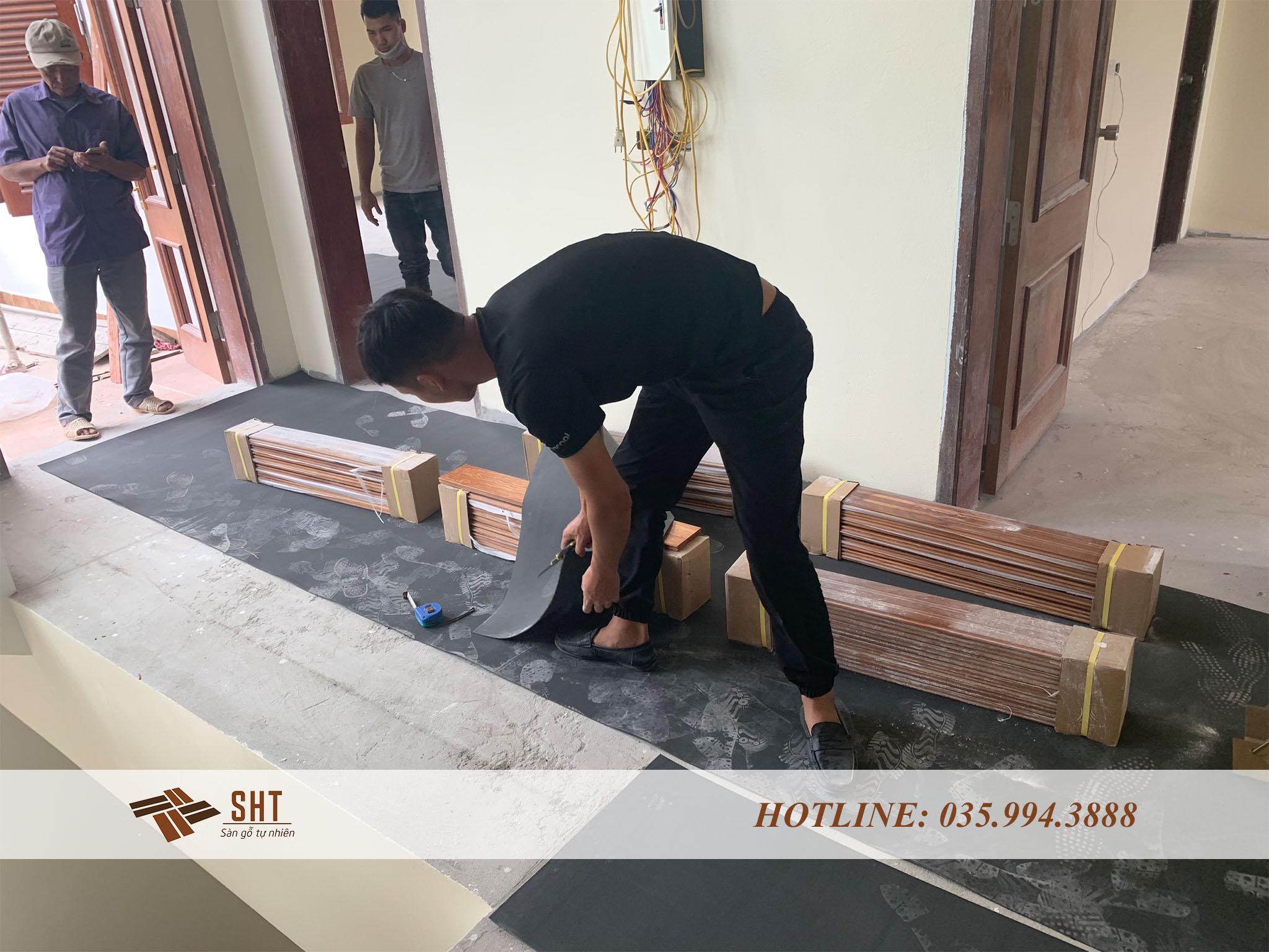 Thi công sàn gỗ Hương Lào