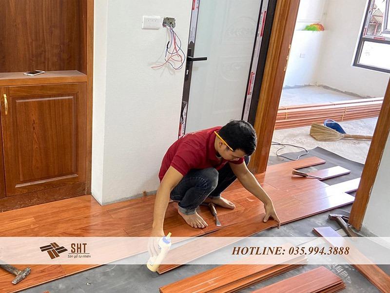Thi công sàn gỗ trắc Nam Phi tại nhà anh Hải