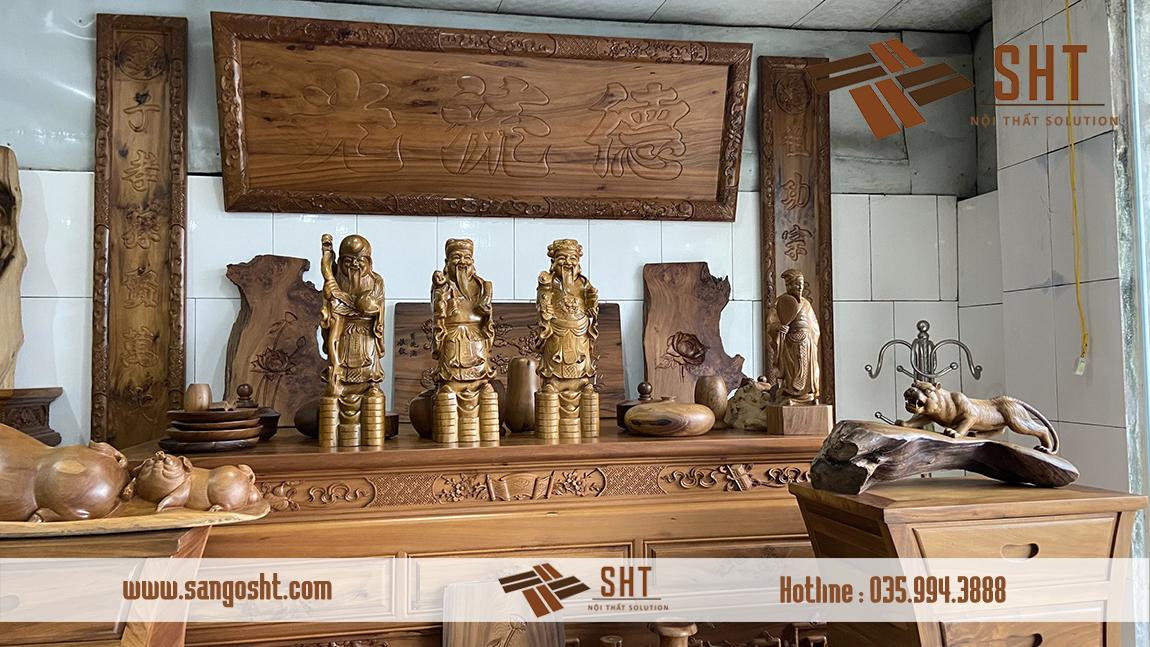 Bàn thờ làm bằng gỗ bách xanh