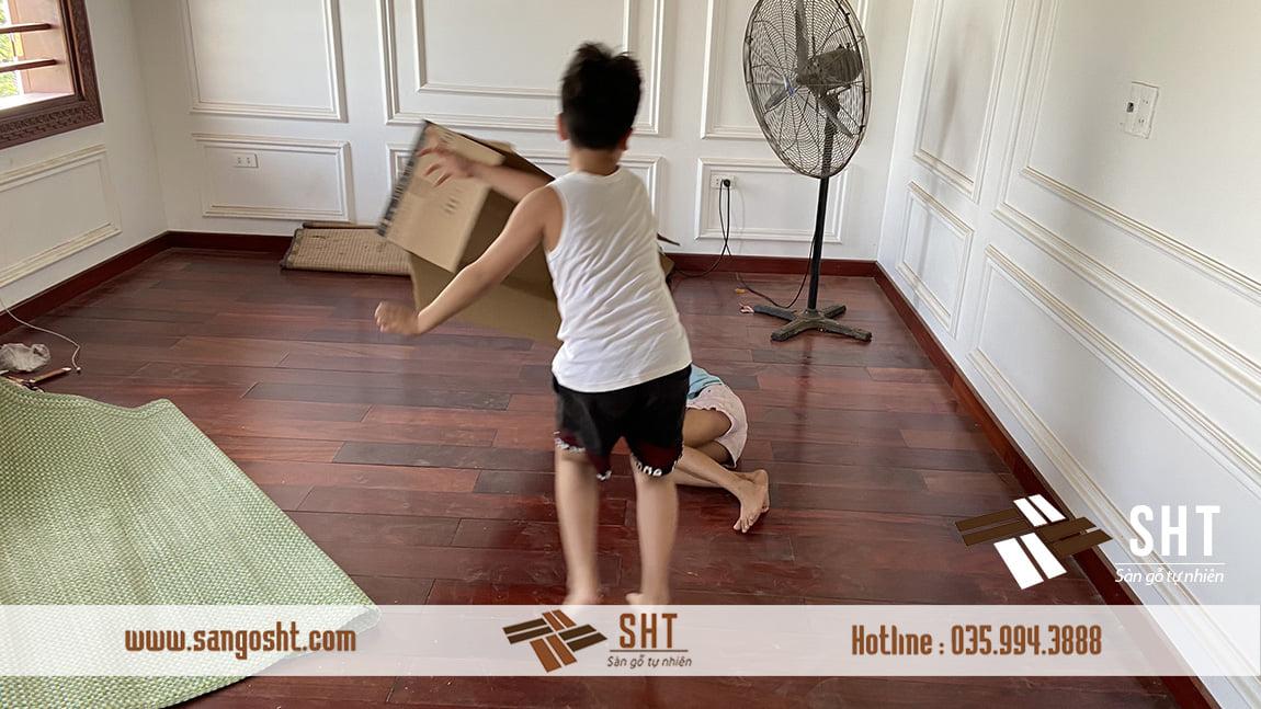 Hoàn thiện sàn gỗ cẩm